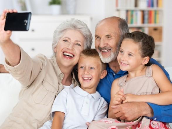 Папа Римский решил ввести День бабушек и дедушек