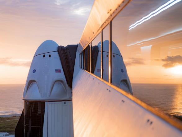 Американский миллиардер заплатил SpaceX за первый гражданский полет в космос