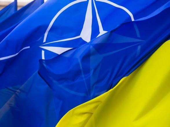 """В НАТО рассказали о """"ковидной"""" помощи Украине: названа сумма"""