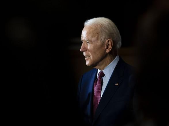 """Сенат США открыл путь для плана Байдена по """"спасению Америки"""" на 1,9 трлн долларов"""