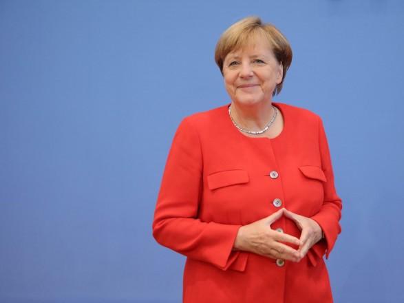 Меркель допускает введение новых санкций из-за ареста Навального