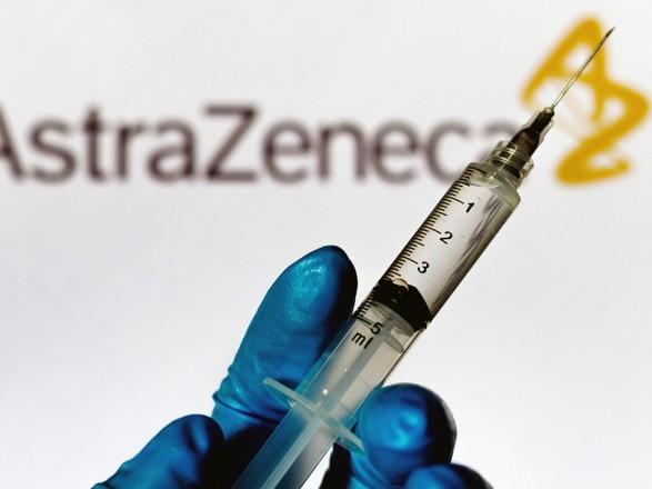 В Польшу и Чехию прибыли первые партии вакцины AstraZeneca, Румыния ожидает завтра