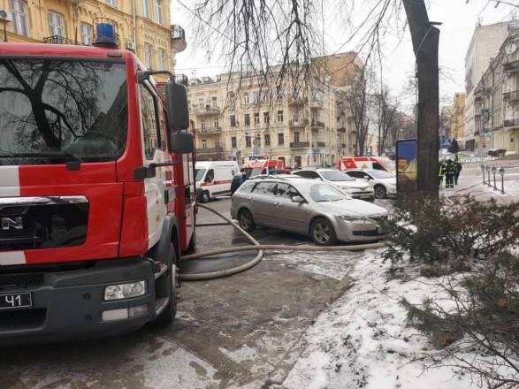 В центре Киева горело кафе, эвакуировали пять человек
