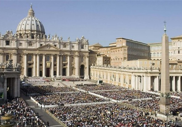 Папа Римский впервые назначил женщину заместителем генерального секретаря Синода епископов