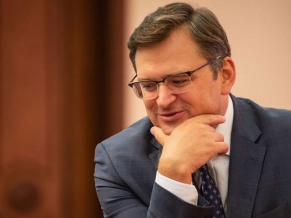 """Кулеба: Украина и США планируют """"программы мобильности"""" для граждан"""