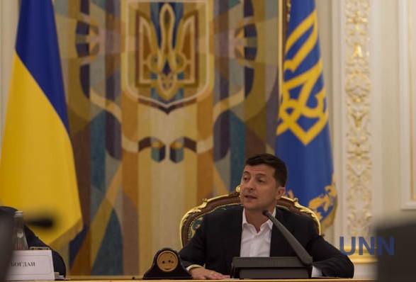 Зеленский о российской вакцине: украинцы - не подопытные кролики