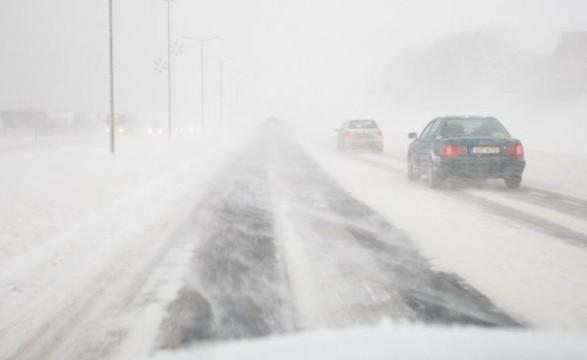 В столице ожидается значительный снег. Въезд грузовиков в столицу ограничен