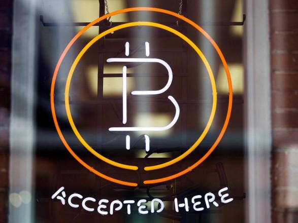 Курс Bitcoin бьёт новый рекорд: стоимость приближается к 48 тыс. долларов