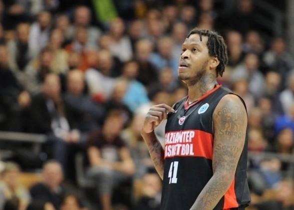 Самый титулованный клуб Украины подписал пятого американского баскетболиста