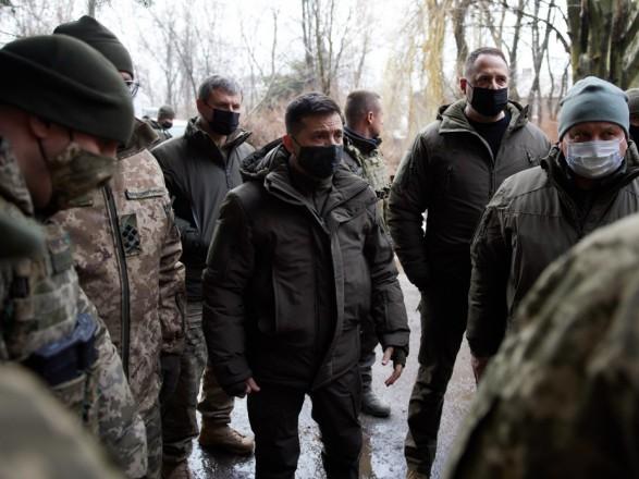 Зеленский требует соблюдать Минских соглашений, чтобы завершить войну на Востоке