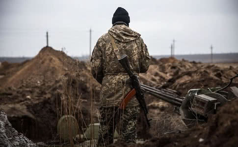 """ООС: за сутки семь вражеских нарушений """"режима тишины"""", один раненый"""