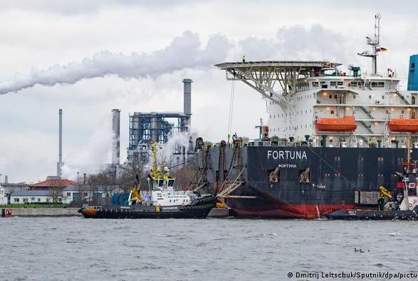 """Сенаторы США призвали Байдена ввести санкции против """"Северного потока - 2"""""""
