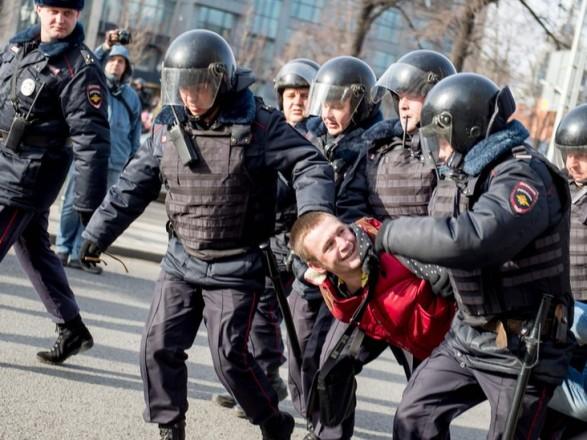 """Госдеп назвал """"ужасными"""" нарушения прав человека в России"""