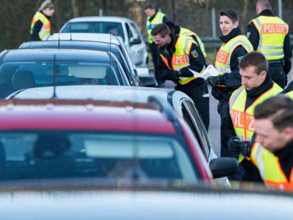 Германия закрывает границы для некоторых стран из-за мутации COVID-19