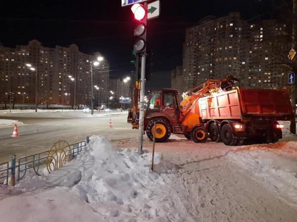 В столице за сутки вывезли 16 тыс. тонн снега