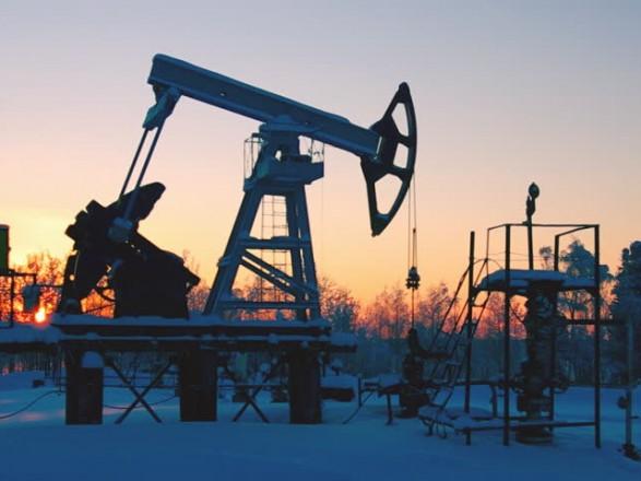 Цены на нефть достигли новых максимумов на опасениях относительно добычи в США
