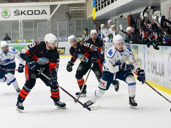 """ХК """"Сокол"""" нанес поражение действующему чемпиону Украины по хоккею"""