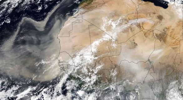 На Европу надвигается гигантский шлейф пыли