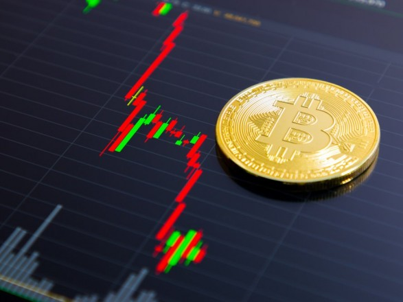 Bitcoin начал стремительное падение: аналитики назвали причины