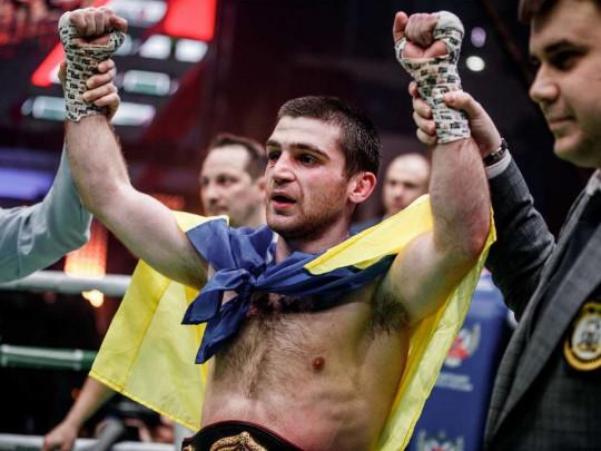 Торжествовал в Москве: Украинский боксер нанес поражение россиянину