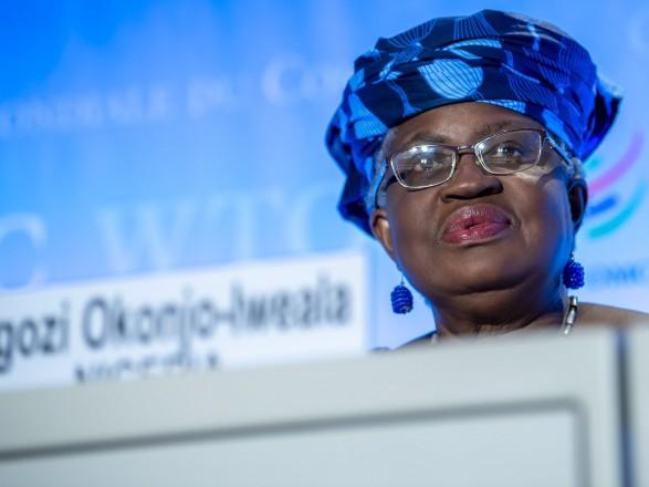 Нигерийка Оконджо-Ивеала, первая женщина-глава ВТО, официально вступила в должность