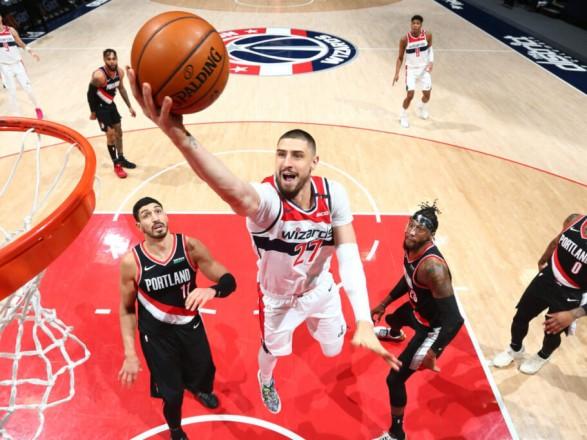 Украинский баскетболист провел результативный поединок в НБА