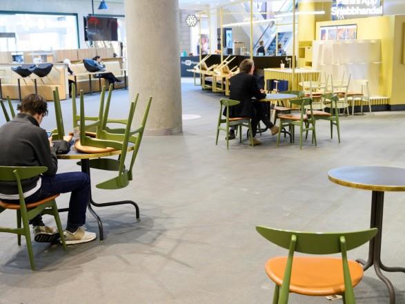 В Стокгольме заявили о начале третьей волны COVID-19 в городе и окрестностях