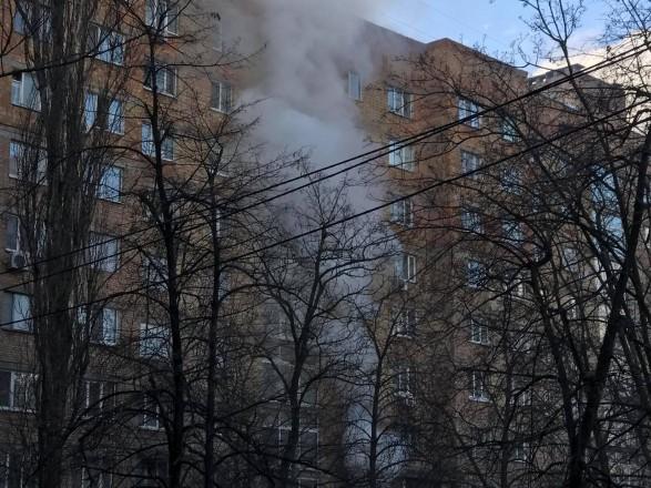 В Киеве произошел пожар в жилой многоэтажке