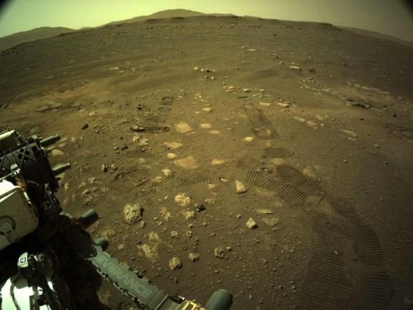 Марсоход Perseverance впервые проехался поверхностью Марса