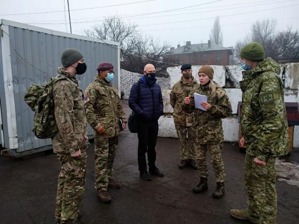 Делегация Вооруженных Сил Великобритании посетила район проведения ООС