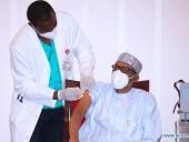 Президент Нігерії вакцинувався від коронавірусу