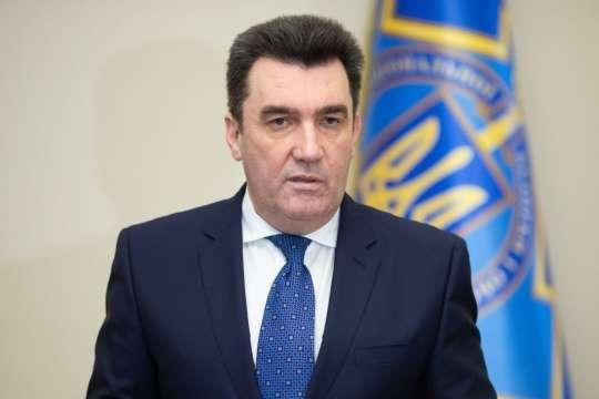 Обострение на Донбассе: Данилов заверил, что ситуация не критическая и находится под контролем