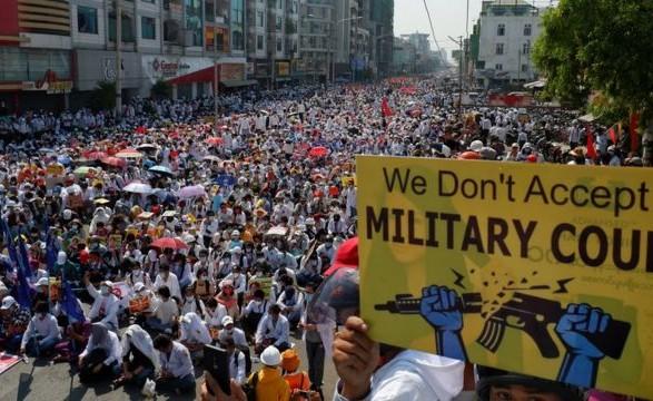 США предоставляют убежище жителям Мьянмы через насилие в стране