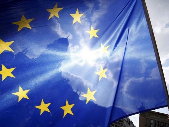 """СМИ: европейские чиновники настаивают переходе к """"менее воинственному"""" тону в диалоге с Москвой"""