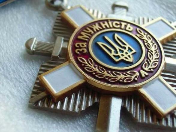 Зеленский отметил 67 добровольцев госнаградами, из них 64 - посмертно