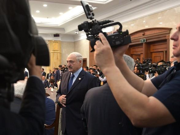 """В Беларуси начали работу над """"изменениями в конституции"""": парламент заявил, что """"народ против радикальных реформ"""""""