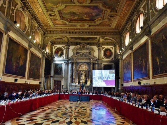 Венецианка положительно оценила законопроект о конституционной процедуре, но недостатки тоже заметила