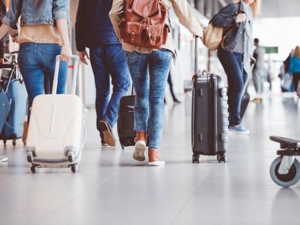 Украина с 1 апреля введет временный безвиз для туристов из Китая