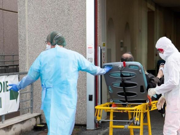 Пандемия: возбудитель простуды помешал размножению коронавируса - исследование