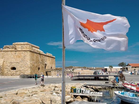 Кипр в апреле откроет границы для посетителей из Украины, США и России