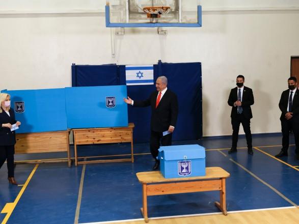 Партия Нетаньяху уверенно лидирует на выборах в Израиле - уже четвертых за последние два года