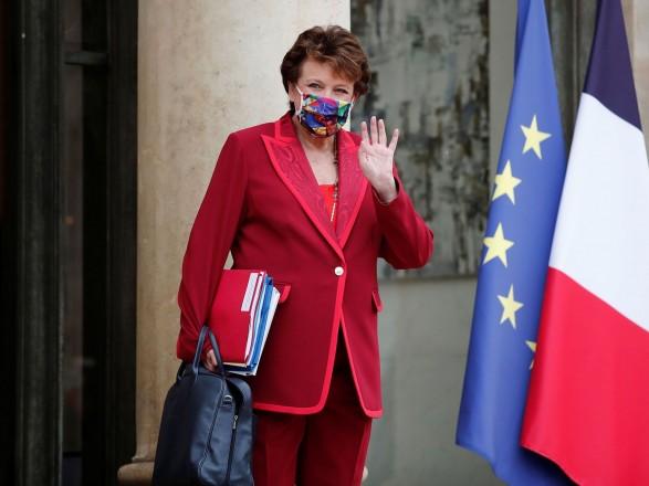 Главу Минкульта Франции, из-за инфицирования COVID-19 которой разгорелся скандал - госпитализировали