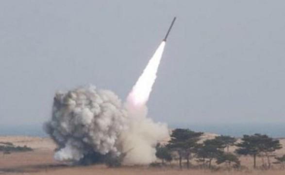Япония считает, что Северная Корея запустила баллистическую ракету