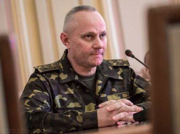Обострение на фронте: начальник Генштаба немедленно вылетел на Донбасс