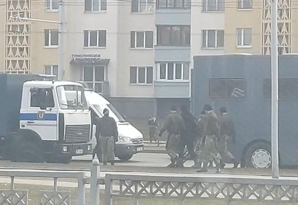 Ситуация в Беларуси: из Минска сообщают о первых задержаниях