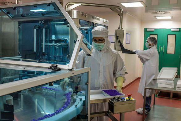Индия возобновит поставки вакцины AstraZeneca для COVAX в мае