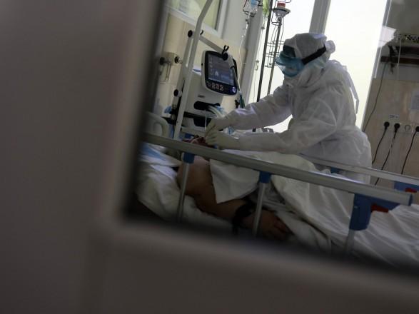 Заболеваемость растет: в Украине за неделю почти 100 тыс. случаев COVID-19
