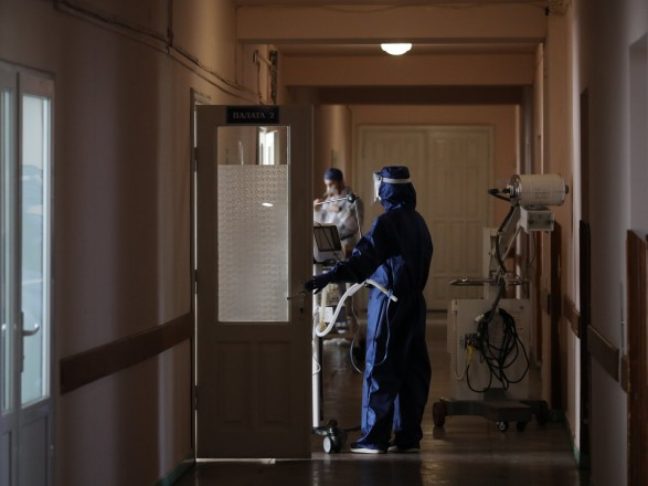 Еще тысяча больных коронавирусом за сутки: Киев развертывает дополнительные COVID-койки