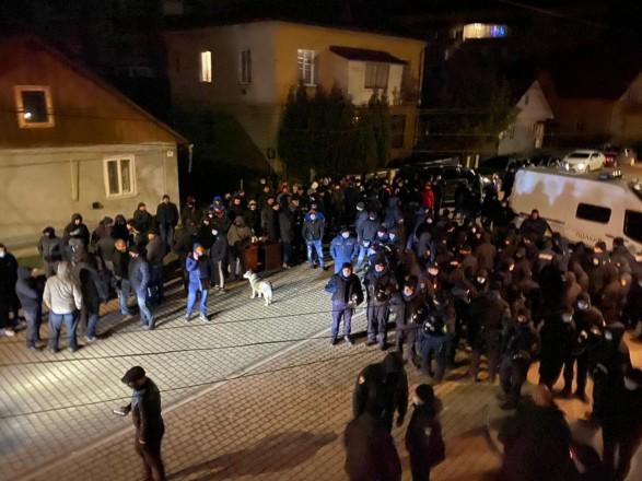 Довыборы в Раду: ОИК на Прикарпатье просит правоохранителей объяснить нардепам, что им нельзя на заседание