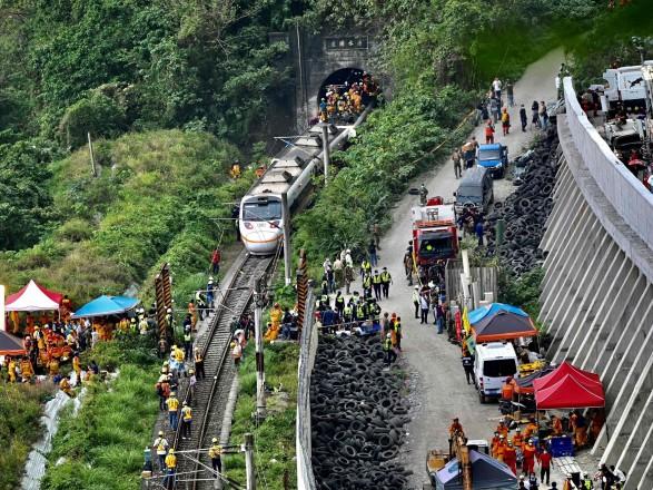 Катастрофа поезда на Тайване: число жертв выросло до полусотни, МИД проверяет наличие украинцев